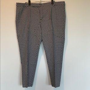 Gap navy white slim cropped pants. Size 20